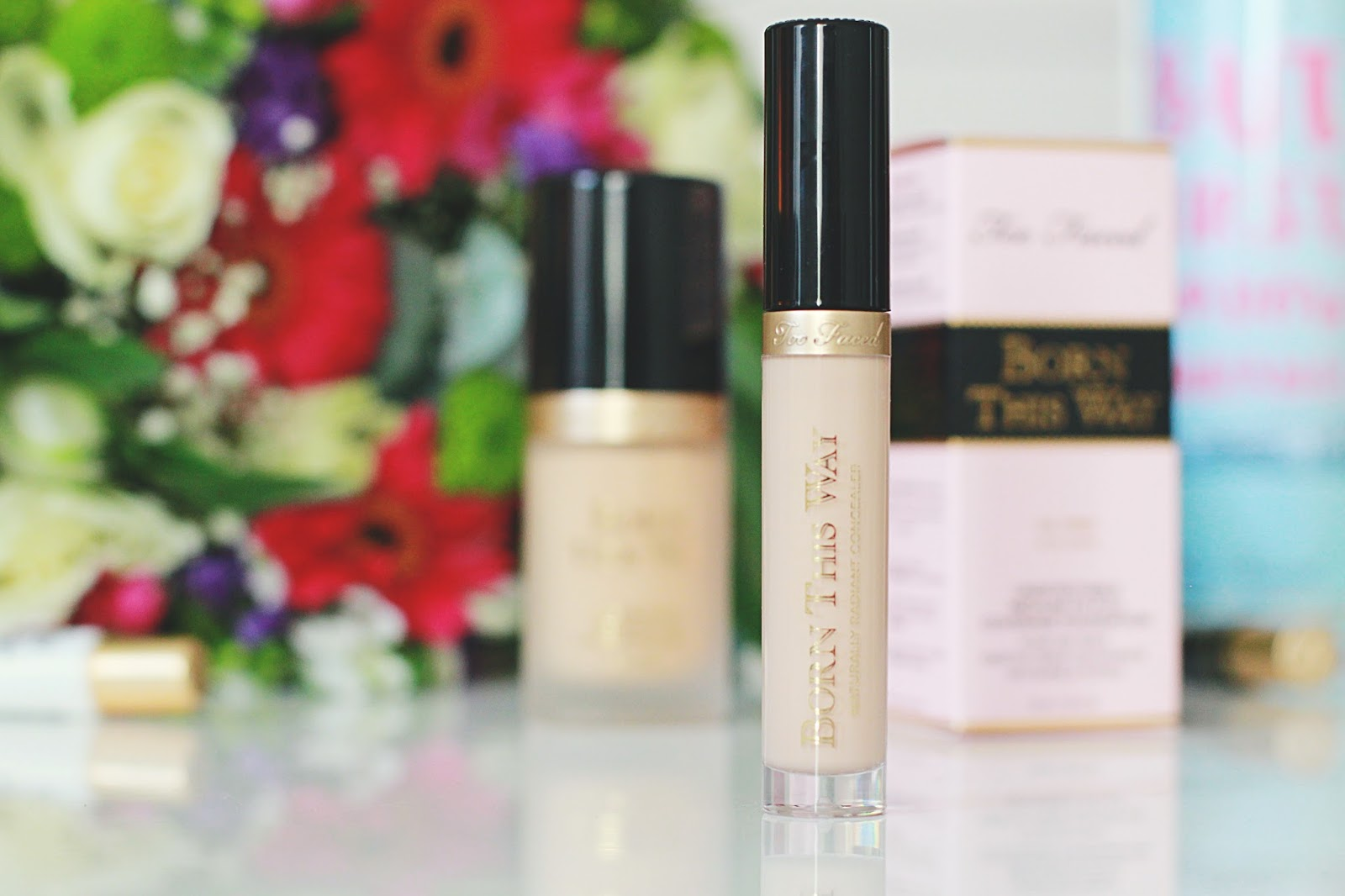 Born This Way Correcteur Éclat Naturel Too Faced