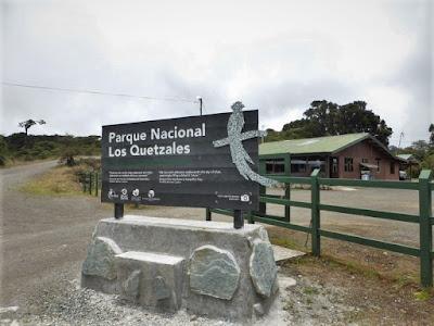 Entrada al PN Los Quetzales