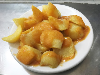 Las 10 mejores patatas bravas de Madrid