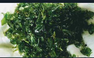 Fried Methi leaves for storing