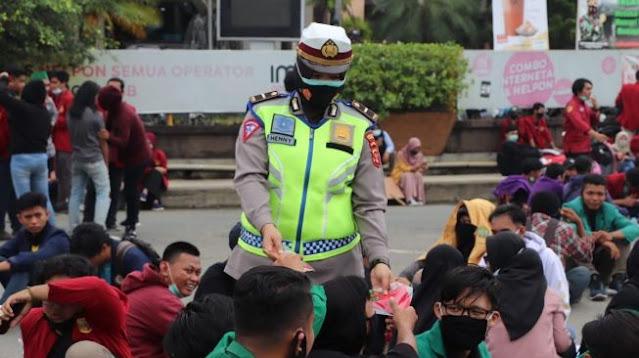 Sampaikan permohonan Maaf, Kapolres Samarinda Siap Tindak Aparat yang Salah