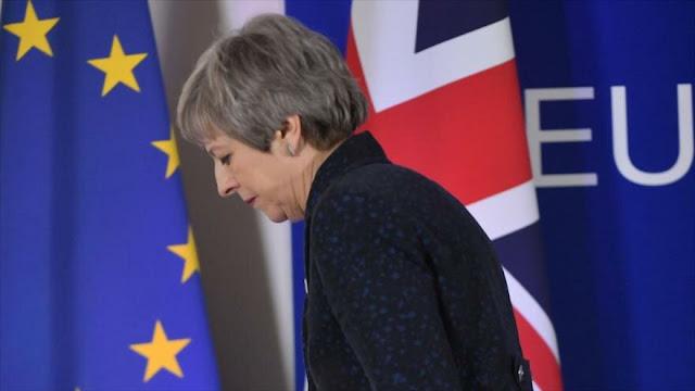 May confiesa la falta de apoyo suficiente para someter el Brexit