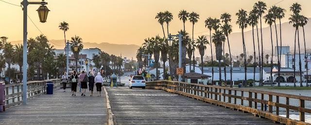 Compras no Stearns Wharf em Santa Bárbara