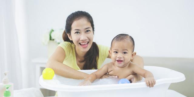 Perbedaan Sabun Cair Dan Sabun Batang Untuk Bayi