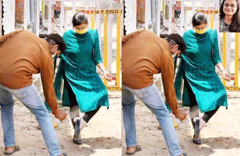 Raisen-Tahsildar-Shivangi-Khare--sanitized-shoes-from-driver-photo-went-viral-on-social-media-महिला नायब तहसीलदार ने दलित ड्राइवर से जूते की सफाई की, फोटो वायरल
