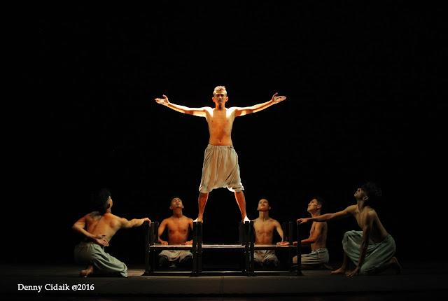 Tari Tonggak Raso karya koreografer Ali Sukri - teraSeni
