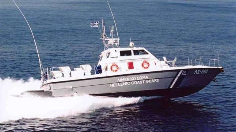 Ακυβέρνητο σκάφος στην περιοχή του Αγίου Όρους