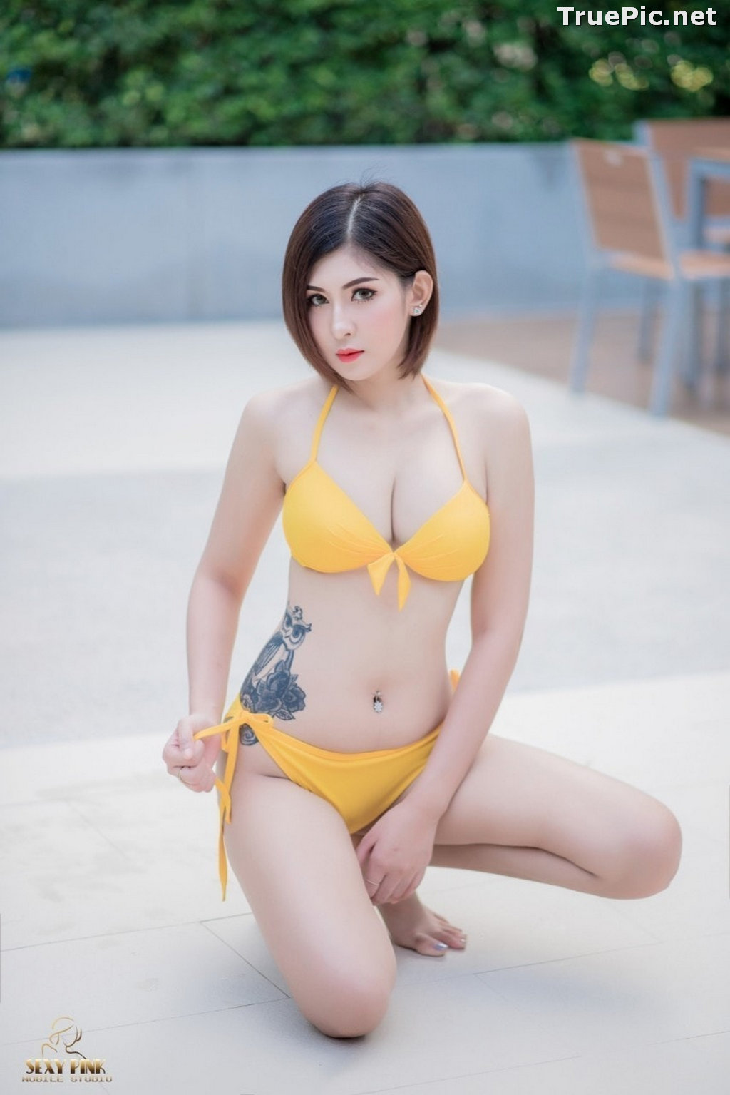 Image Thailand Model - Pharada Baokhum - Yellow Bikini In The Swimming Pool - TruePic.net - Picture-6