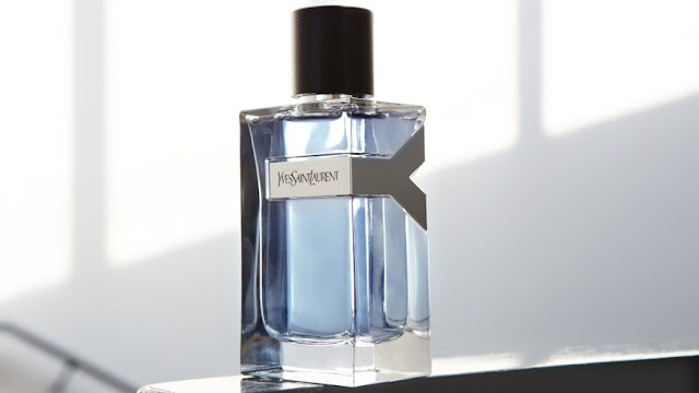 Oficjalna fotografia perfum Yves Saint Laurent Y