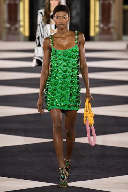 Модное платье весна-лето 2020 37