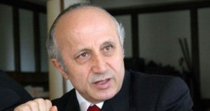 Yaşar Nuri Öztürk Kimdir?
