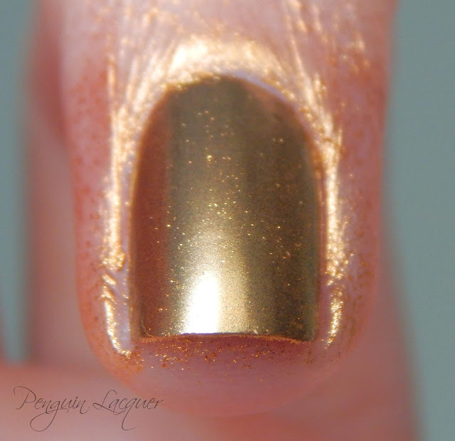 p2 motown glam chromatic nail powder gold makro