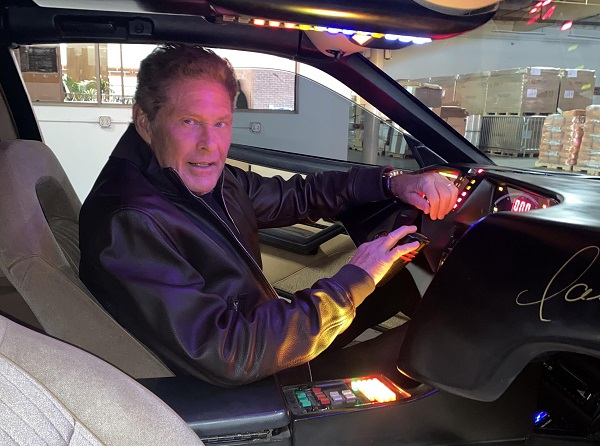 "KITT ""El auto increíble"" David Hasselhoff"