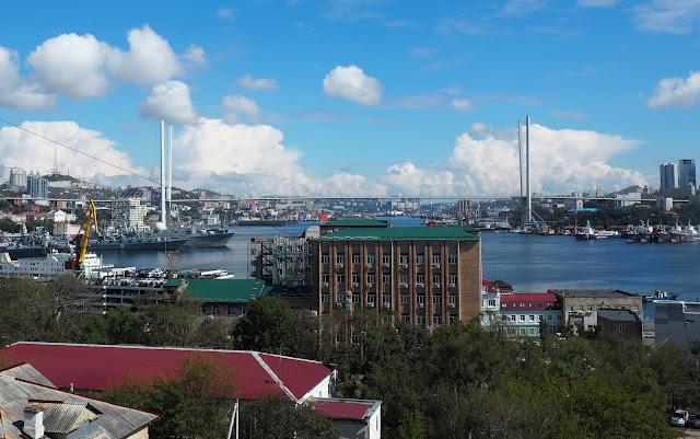 Владивосток - вид из окна отеля Лидо (Lido Central)