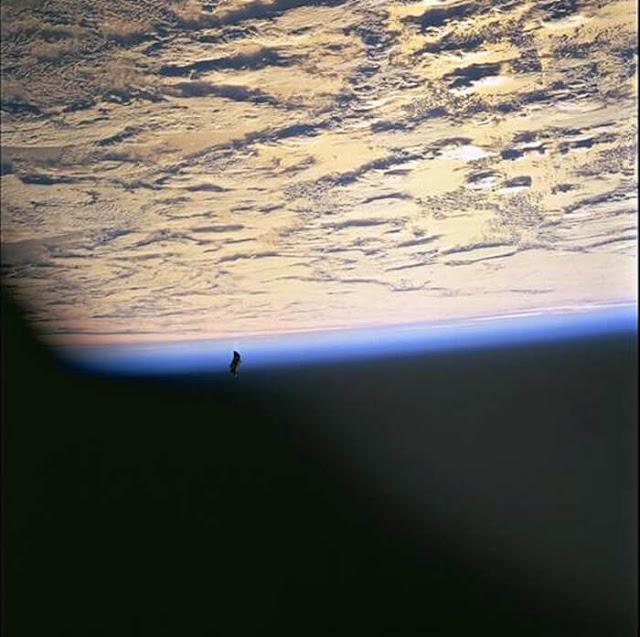 ブラックナイト衛星 Black Knight Satellite