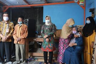 Walikota Mojokerto Takziah ke Rumah Duka Korban Pohon Tumbang