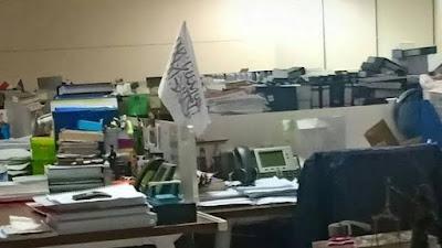 Kontroversi bendera HTI di meja pegawai KPK. Apa yang sebenarnya terjadi?