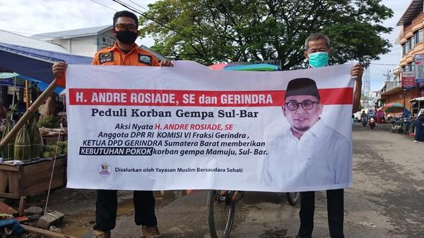 Andre Rosiade Sediakan Makanan bagi Ribuan Korban Gempa Mamuju Sulbar