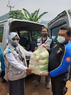 Banjir dan Longsor Sumedang, YBM PLN Berikan Bantuan Logistik Untuk 1000 orang Terdampak