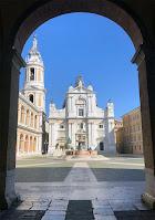 Vista della Piazza della Madonna e della Basilica di Loreto