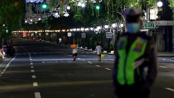 Dari Padang Hingga Samarinda, Berlakukan Jam Malam Cegah Corona