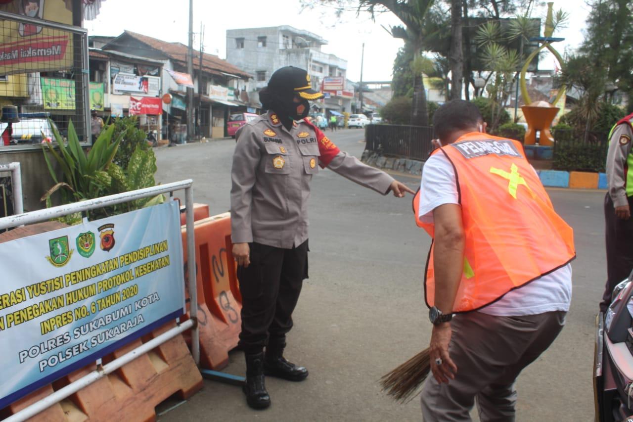 Bandel Tak Pakai Masker, Kapolres Sukabumi Kota Berikan Sanksi Terhadap Pelanggar Prokes