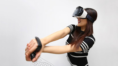 Realidade virtual será a próxima rede social, diz Zuckerberg