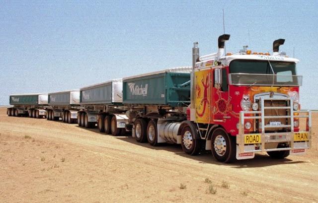 foto mobil truk gandeng terbesar di australia