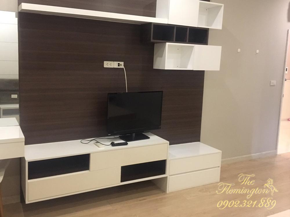 căn hộ flemington cho thuê 2017 - tivi hiện đại tại phòng khách căn hộ cho thuê