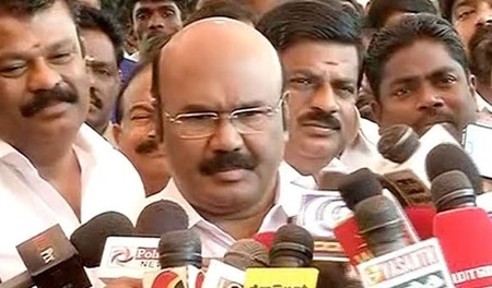 Minister Jayakaumar addressing reporters on Kallakurichi MLA Prabhu joins with TTV dhinakaran