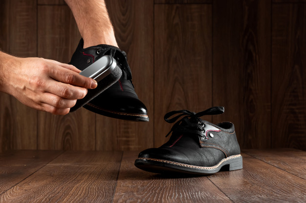 Cleaning_Leather_Boots