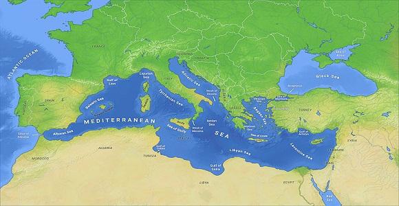 سبب وصف البحر الأبيض المتوسط بهذا الإسم