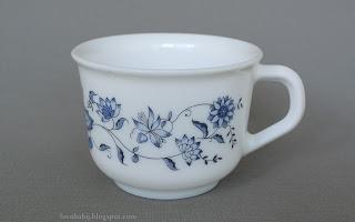 Filiżanka w niebieskie kwiaty Blue Flowers Tea Cup Wallpaper Full HD 1920x1200 tapeta
