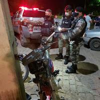 Acidente entre carro e moto deixa um ferido, com traumatismo craniano, em Cuité