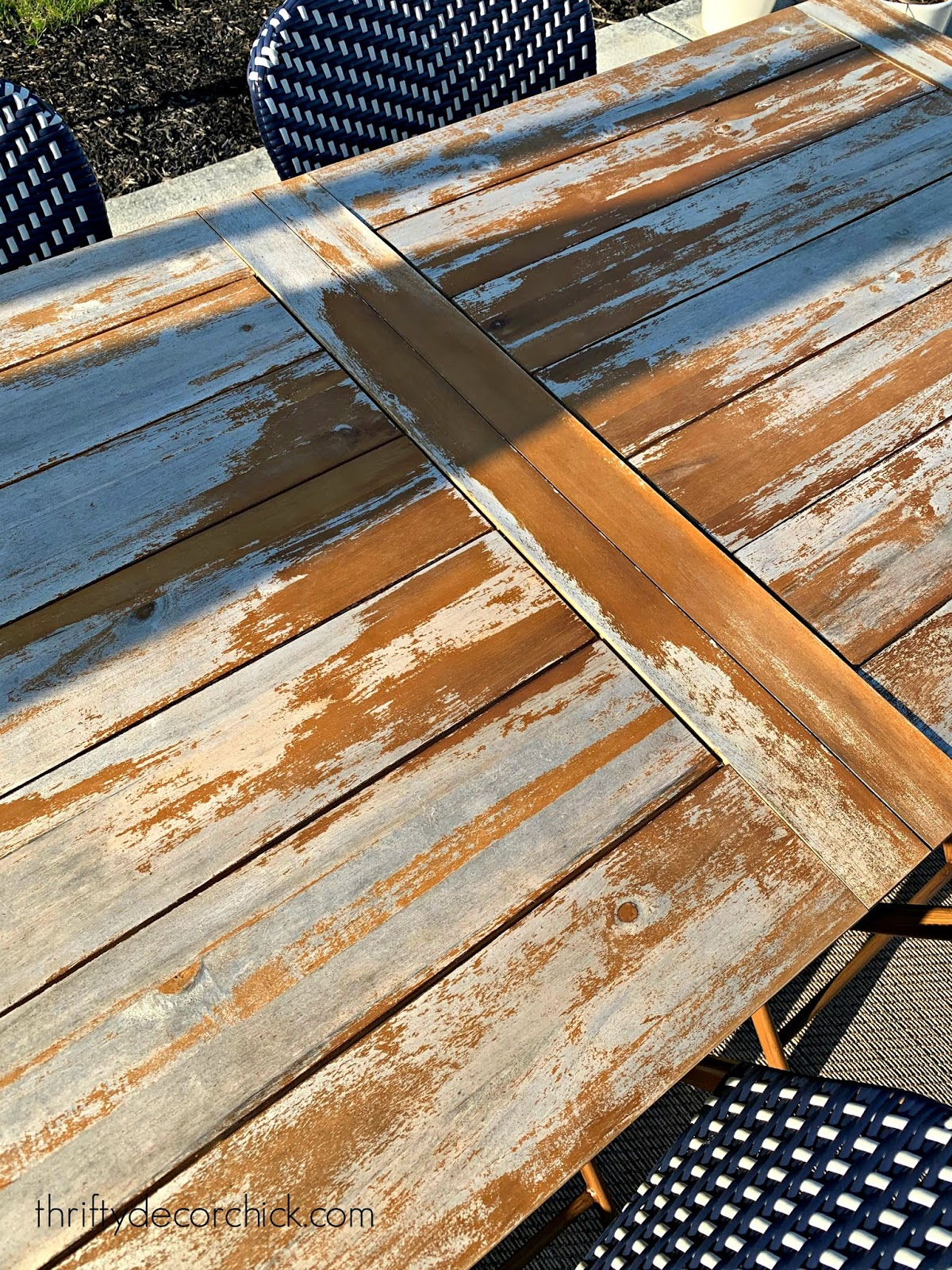 refinishing an outdoor table
