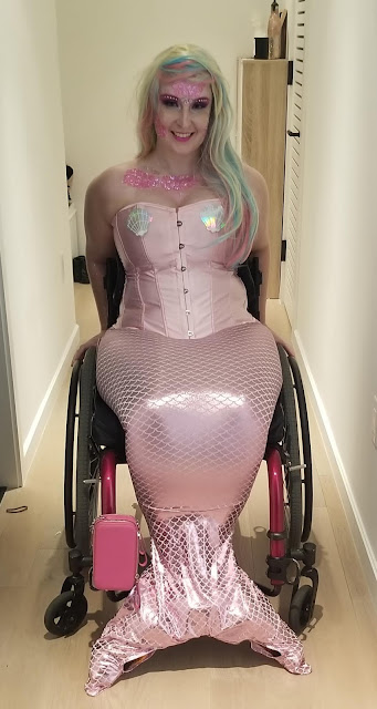Mermaid on wheels - Since becoming a wheelchair user 3 years ago I wanted to dress up as a mermaid, because I figure on land they would use wheelchairs too. Finally got the chance at a Halloween party last weekend!