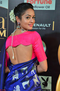 Shanvi Looks Super Cute in Pink Backless Choli Blue Saree at IIFA Utsavam Awards 2017 05.JPG