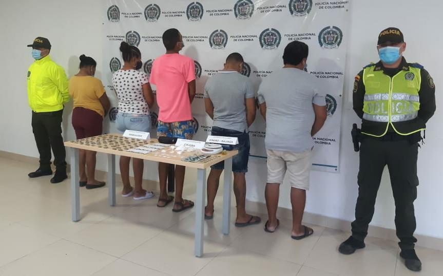 https://www.notasrosas.com/Sijin captura cinco personas en Fonseca, por trafico de estupefacientes