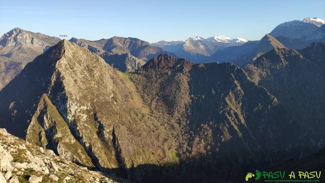 Vista del Pico Pondiu desde el Posadoriu