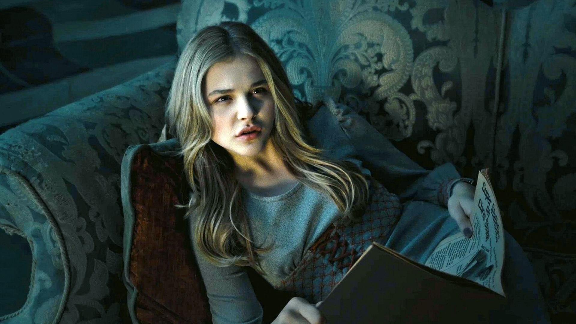 Chloe Grace Moretz in Dark Shadows - High Definition ...