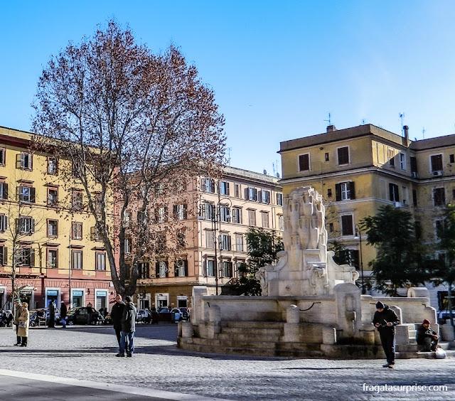 Fonte da Piazza Testaccio, Roma