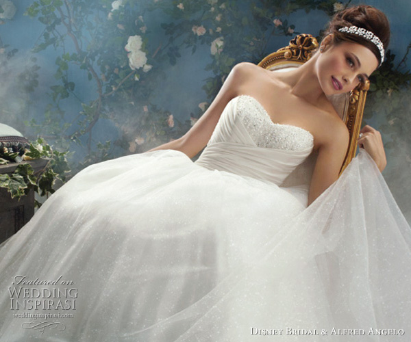 My Chocolate Fondant: Disney Wedding Gowns