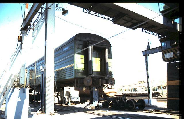 Umspuren eines Eisenbahnwaggons - Fahrt mit der Transsibirischen Eisenbahn 1991