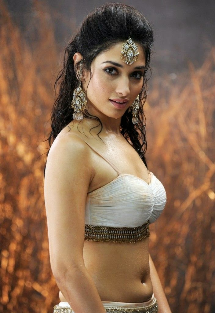 Actress Tamanna Bhatia Hot Pictures And Sizzling