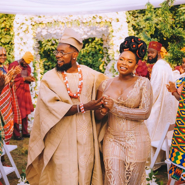 Mon Bébé! Patoranking Shares Lovely Photos With Yemi Alade