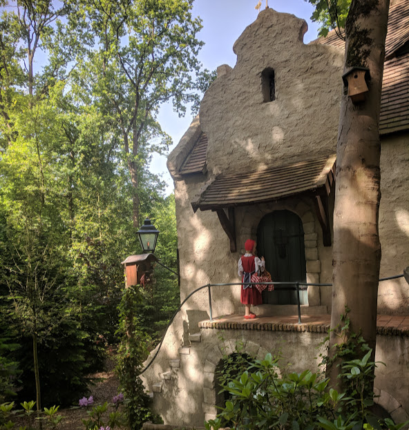 Photos from the Fairytale Forest at Efteling  - grandma's cottage where mr wolf is waiting