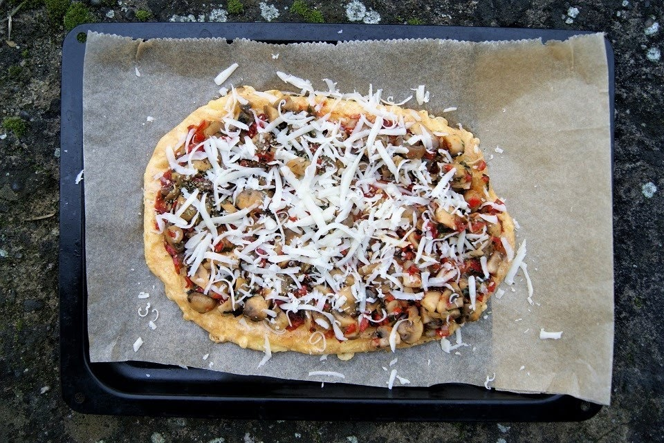 Keto pizza wegetariańska