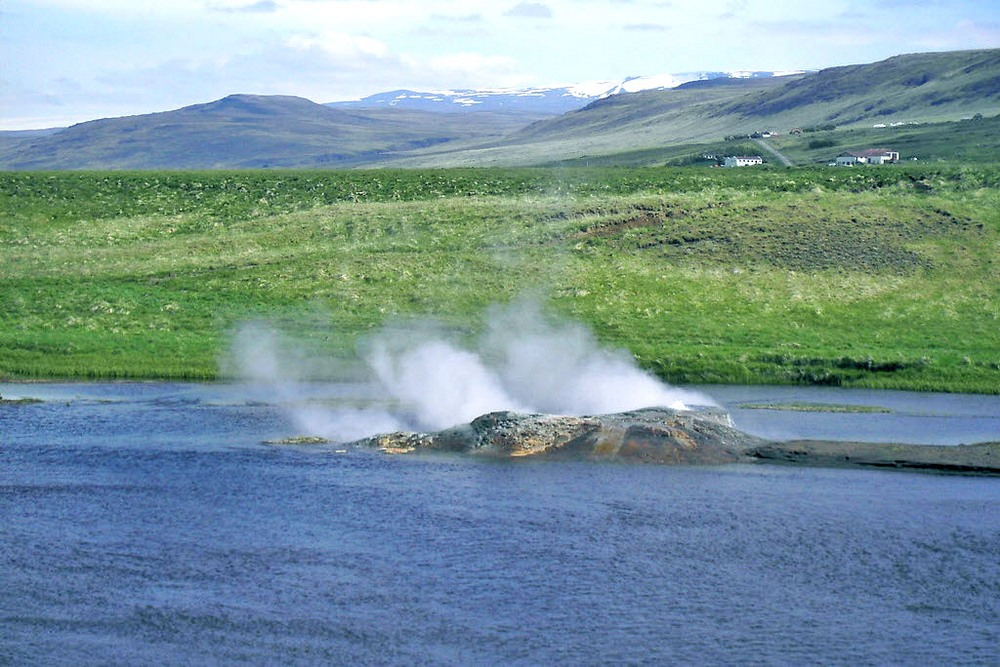 Vellir: This Icelandic Geyser is in The Middle of a River