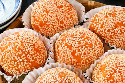 Jian Dui (Deep Fried Glutinous Rice Balls/Sesame Seed Balls)