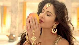 Katrina Kaif is in the advertisement of juice mango drink with a seductive style